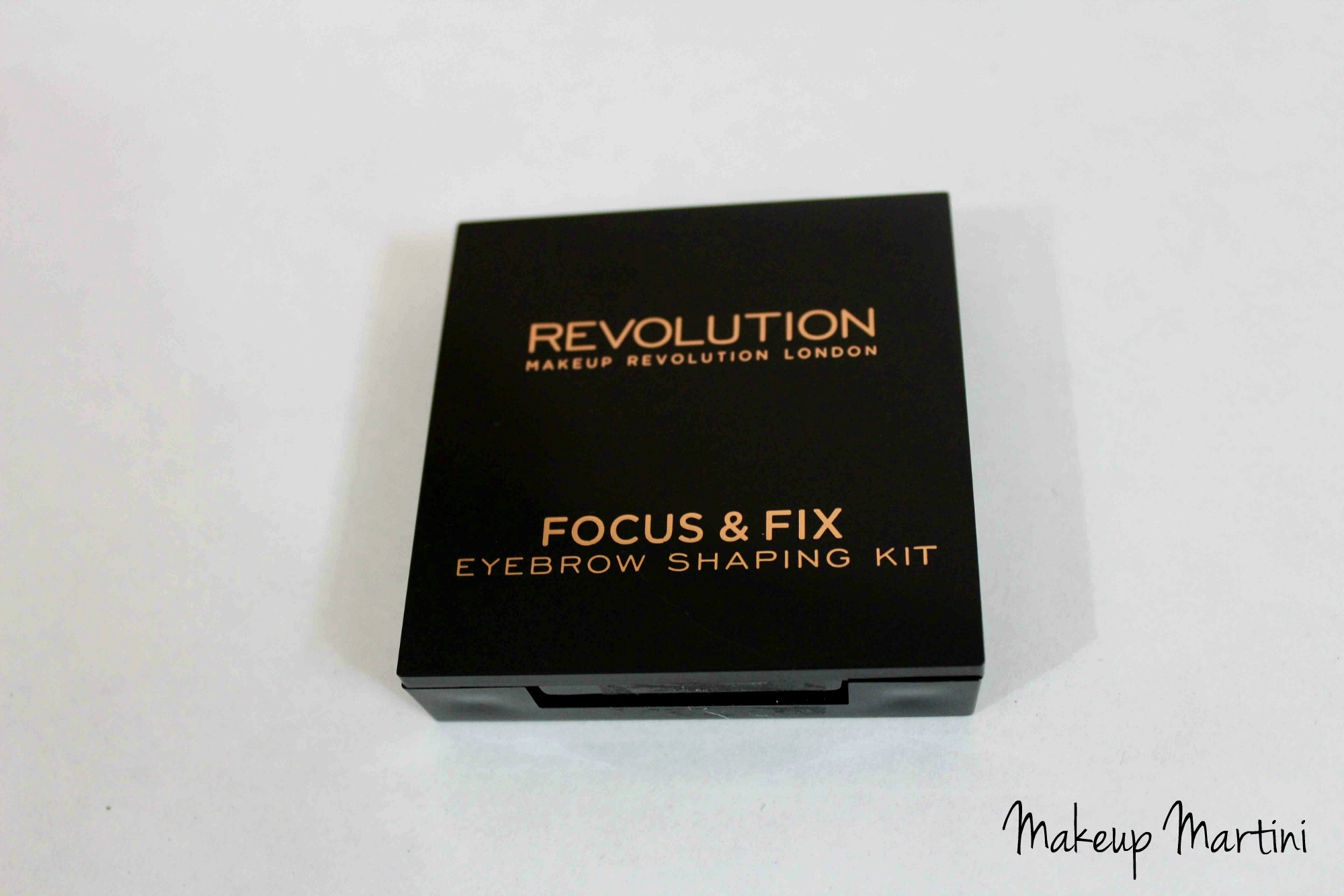 Makeup Revolution Focus & Fix Brow Kit Review