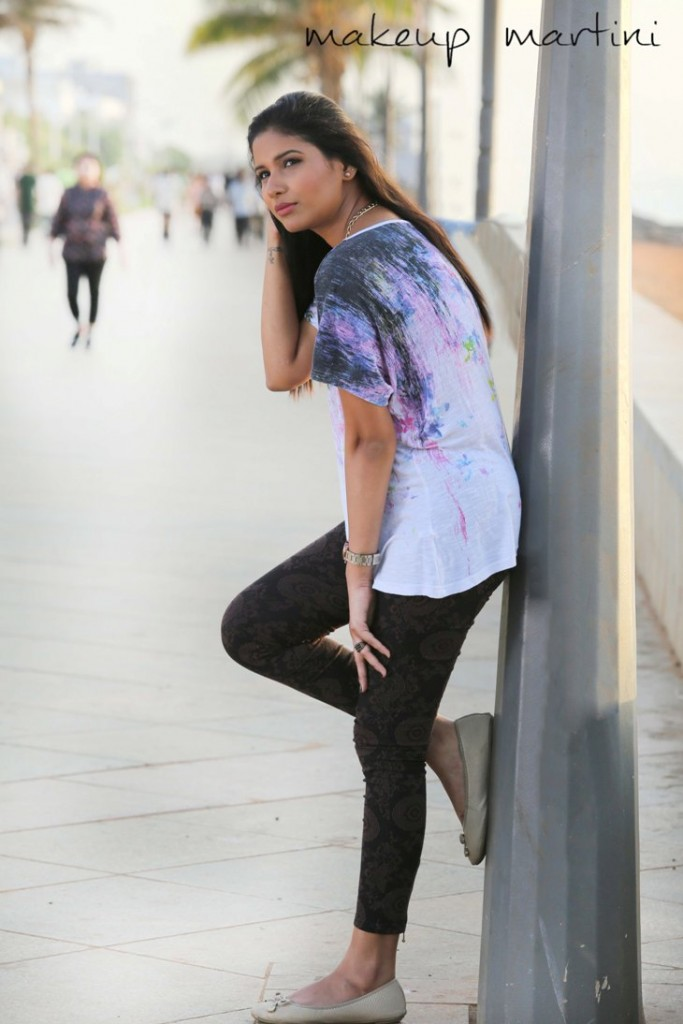 How To Wear Printed Jeggings Outfit Ideas