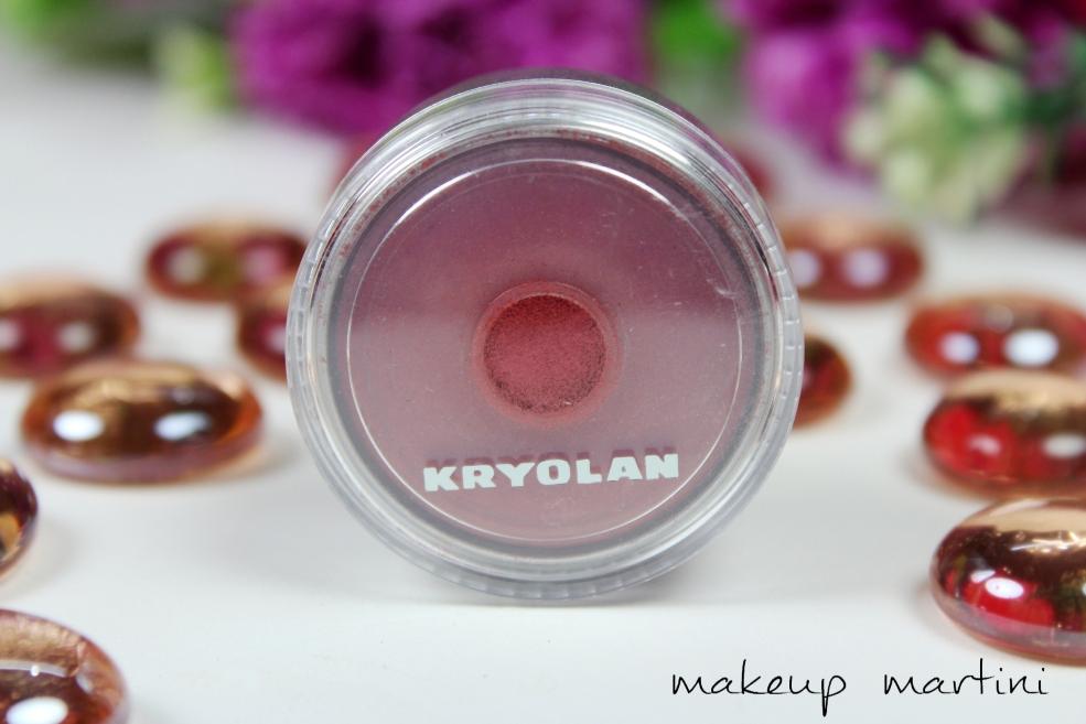Kryolan Satin Powder in SP561 Review (4)