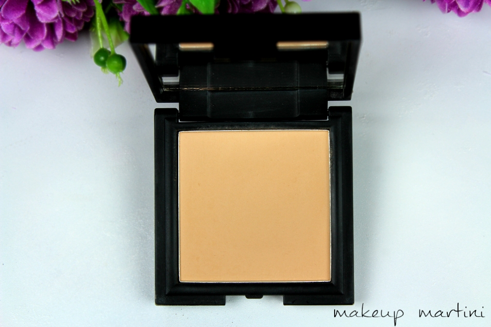 Sleek MakeUP Suede Effect Pressed Powder Review and Swatch