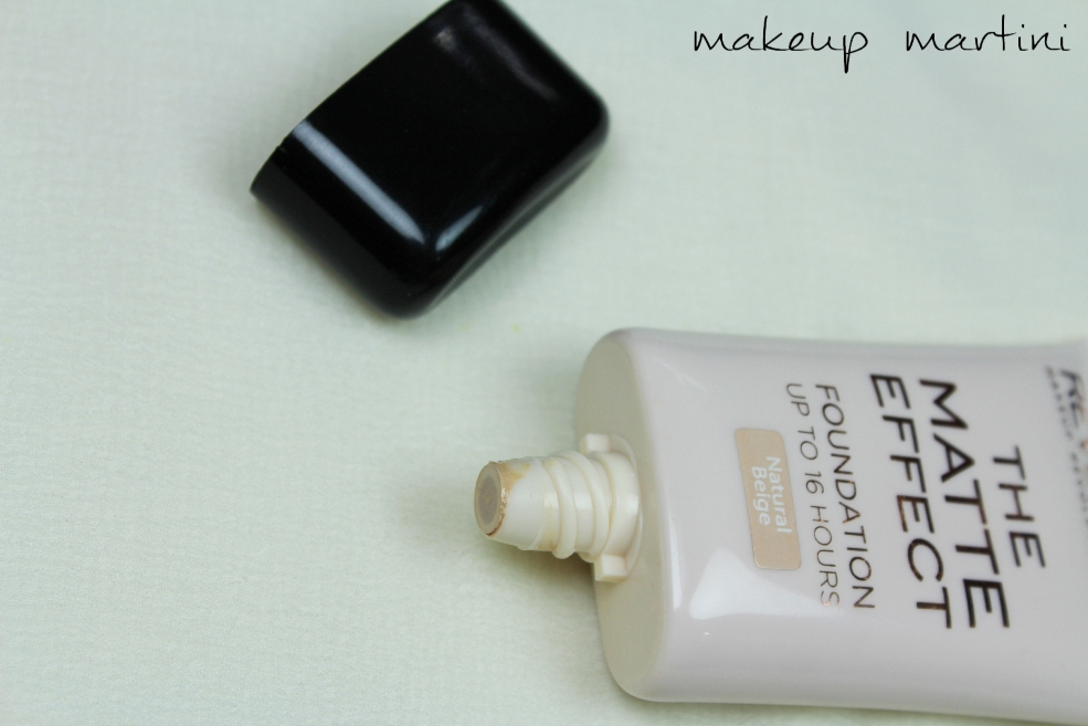 Makeup Revolution London The Matte Effect Foundation Review (5)