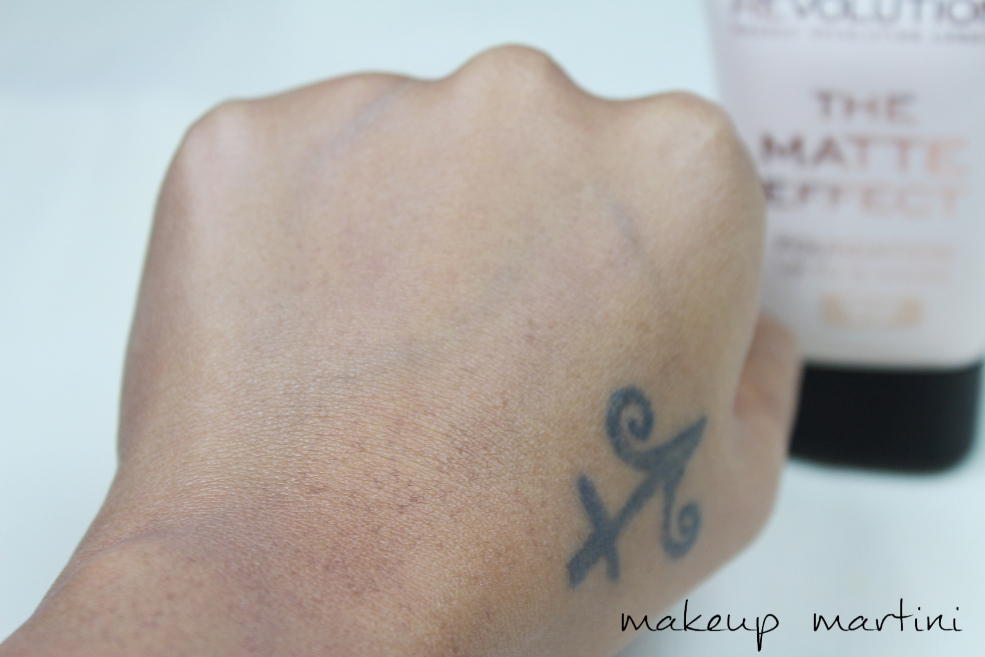Makeup Revolution London The Matte Effect Foundation Swatch