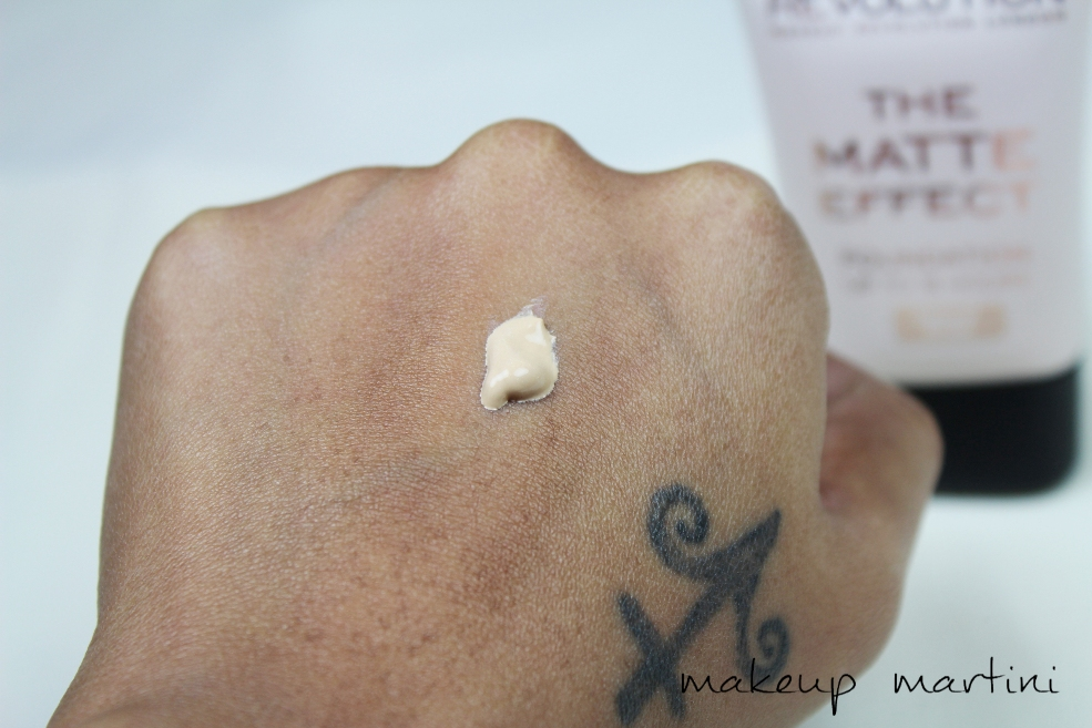 Makeup Revolution London The Matte Effect Foundation Swatch(6)