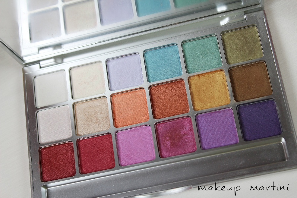 Kryolan 18 Colors Eyeshadow Variety Palette in V1 Review (5)