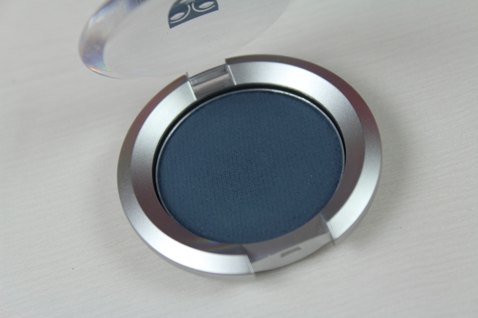 Kryolan Cake Eyeliner in Blue (2)