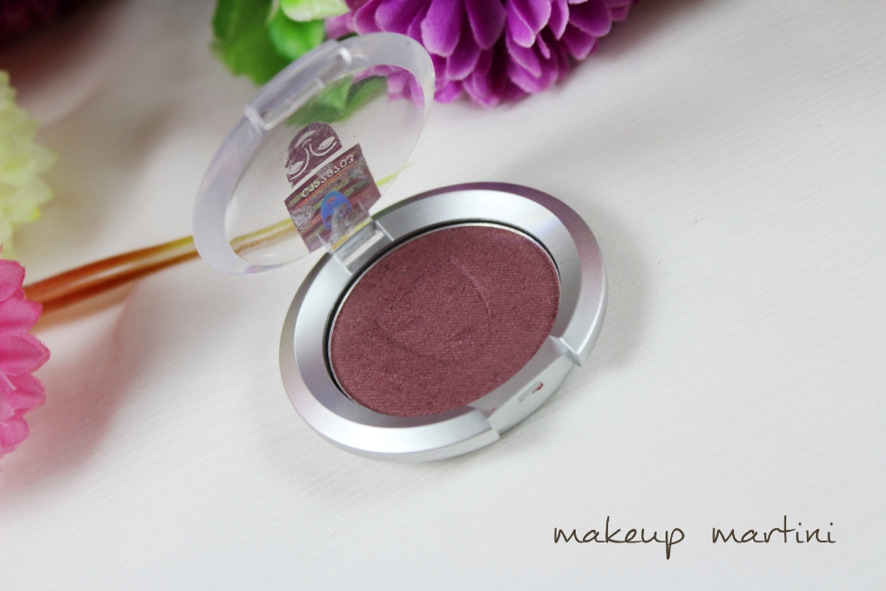 Kryolan Single Eyeshadow in Aubergine review (2)