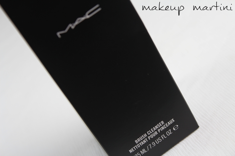 MAC Brush Cleanser Review (2)