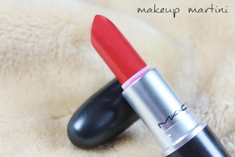 MAC La Vie En Rouge Lipstick Review (4)