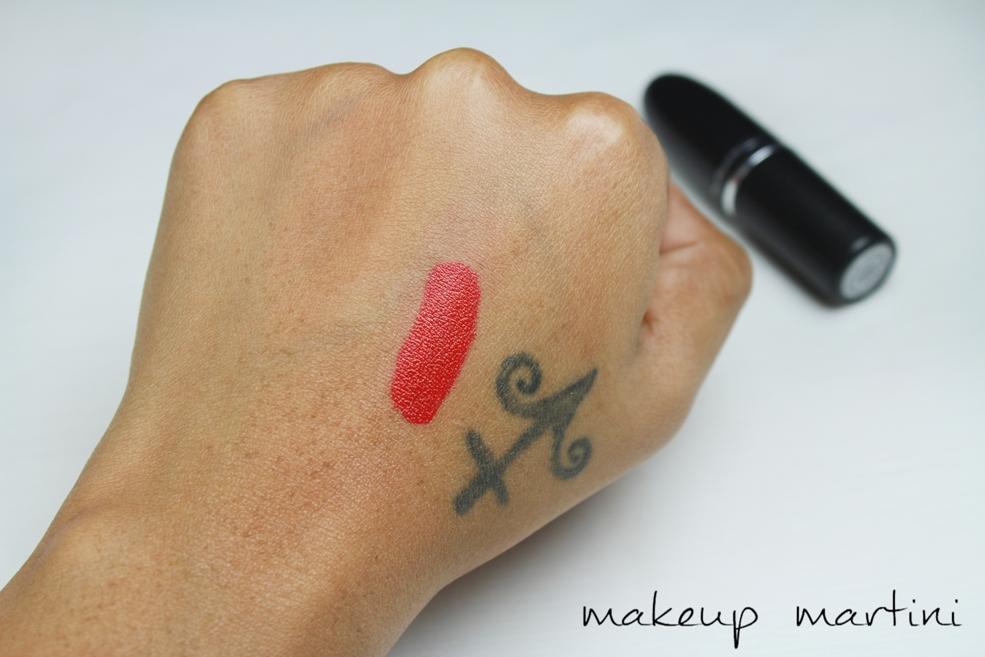 MAC MAC Red Lipstick Swatch(1)