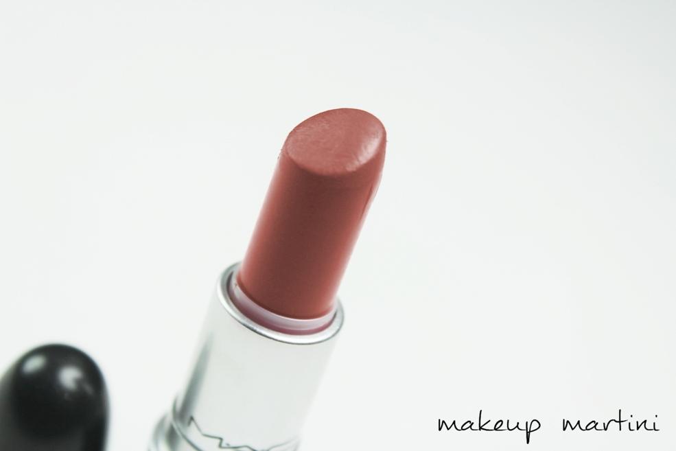 MAC Lipstick In Retro Review