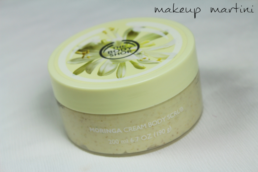 The Body Shop Moringa Cream Body Scrub Review (3)