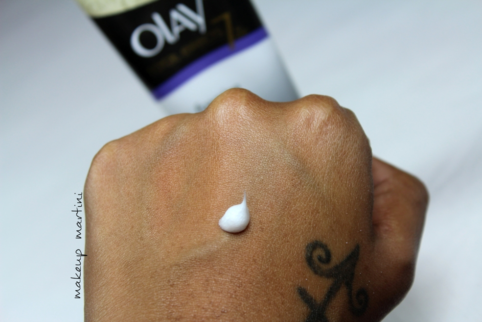 Olay Total Effects Foaming Cleanser Swatch