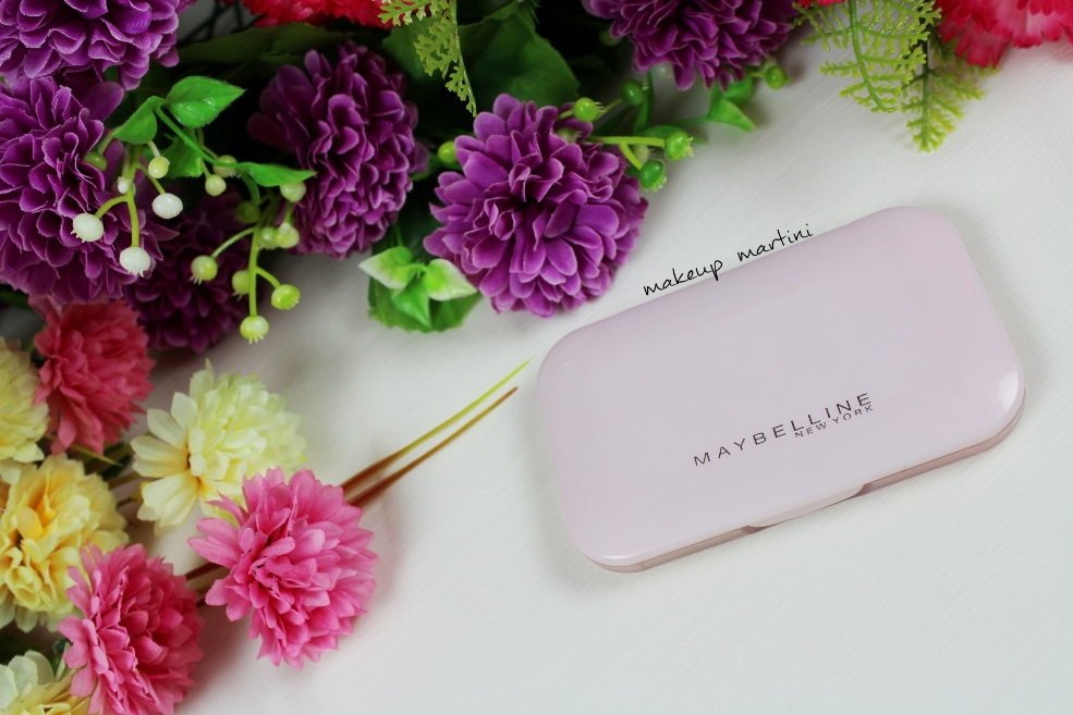 Maybelline Clear Glow Compact Powder Review