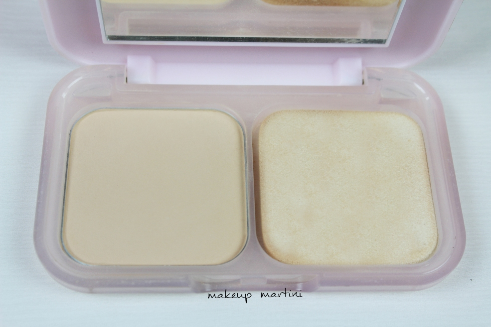 Maybelline Clear Glow Light Compact Powder