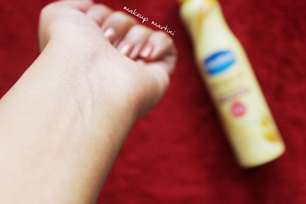 Vaseline Spray and Go Moisturizer Swatch