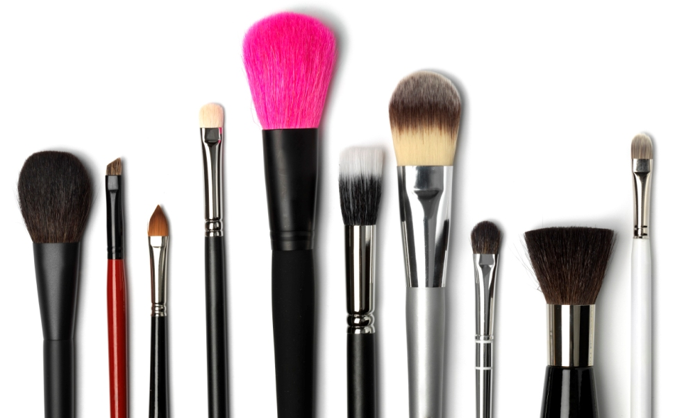 What Makeup Brushes And Tools Would I Need