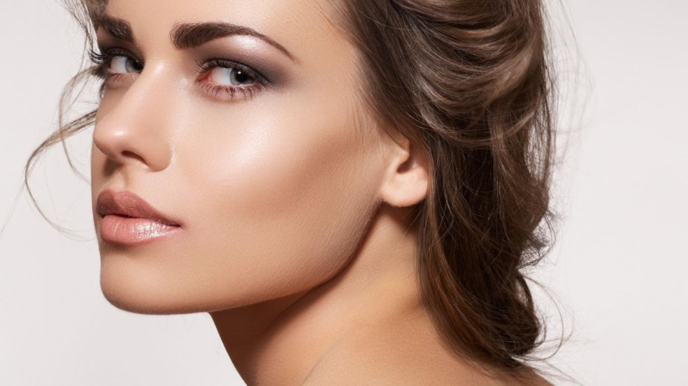 The ultimate makeup guide part 3 makeup foundation makeupmartini what is a foundation makeup and why do i need it solutioingenieria Images