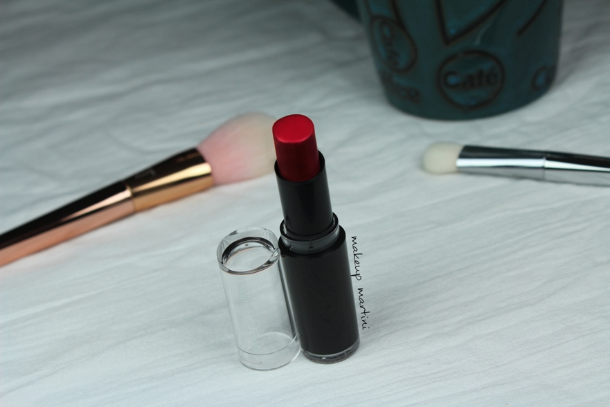 wet n wild stoplight red  lipstick review and swatch