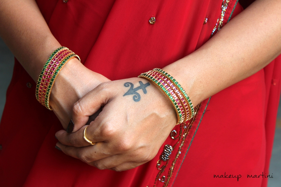 Bangles For Traditional Indian Saree