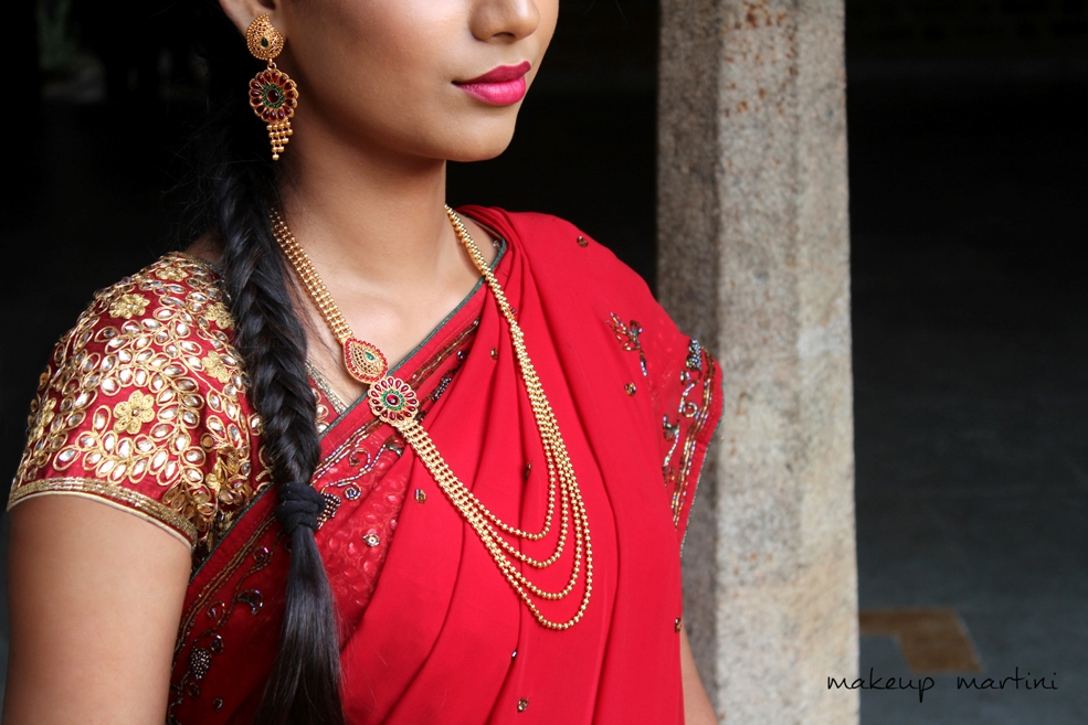 Hairstyle For Traditional Indian Saree