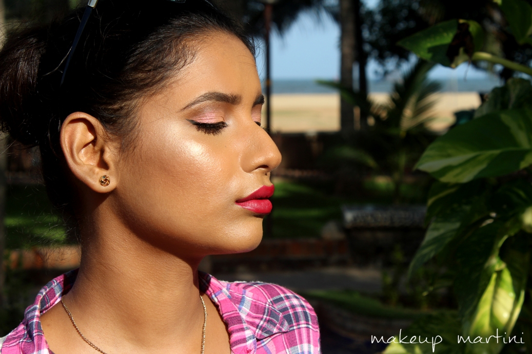 Colourpop Butterfly Beach Highlighter Review & Swatches