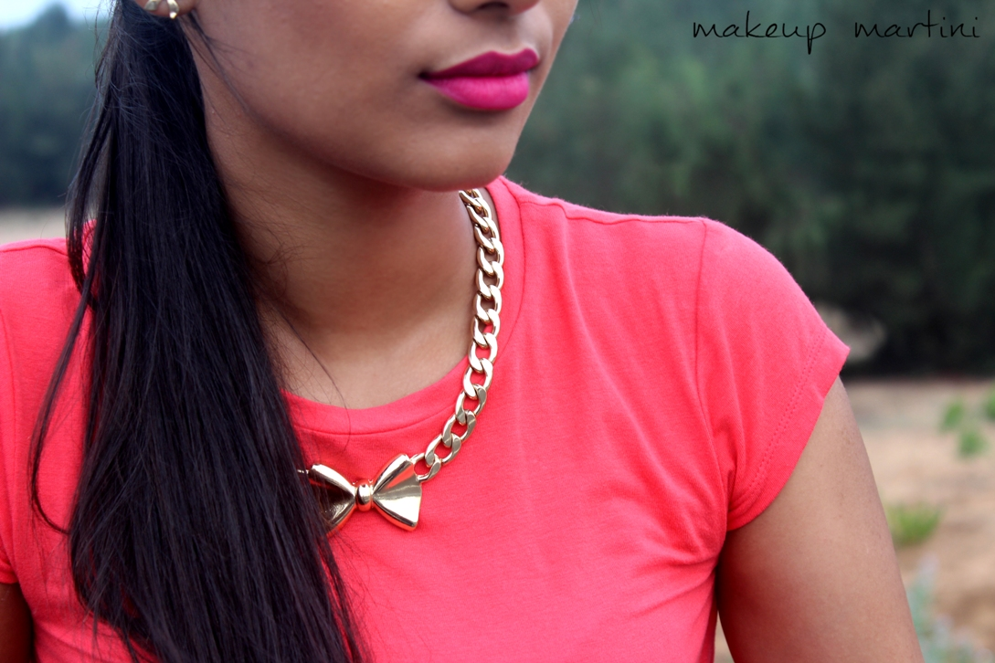 How To Style Statement Jewellry