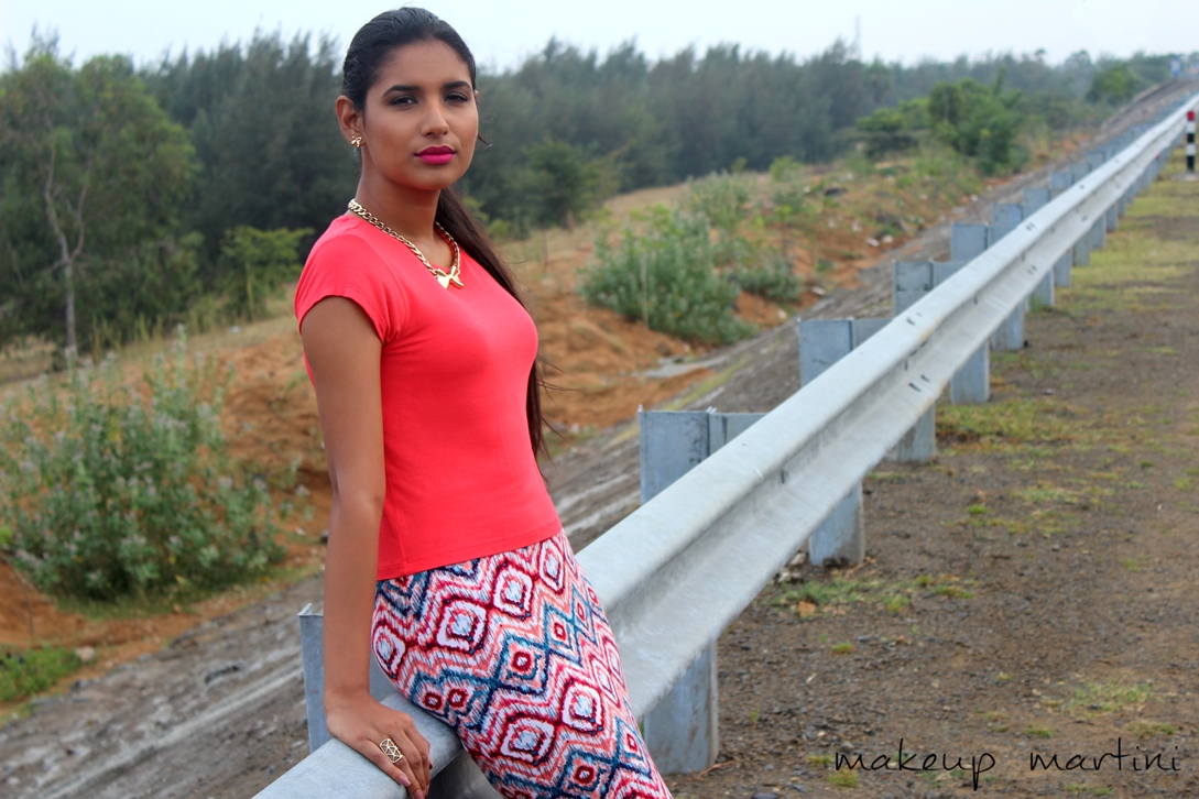 How To Style Neon Crop Top