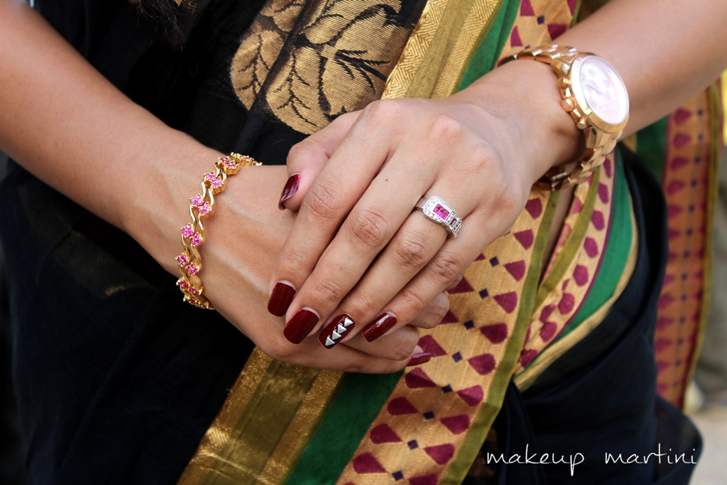 Simple Accessories For Saree