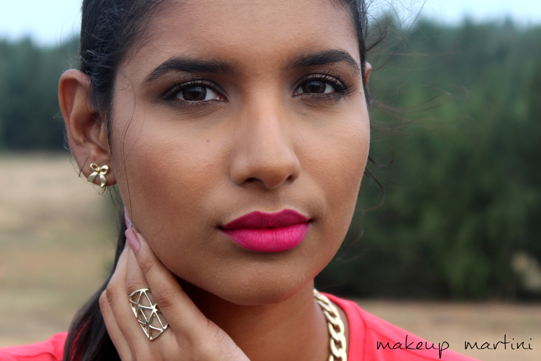 Subtle Makeup With Bright Lips