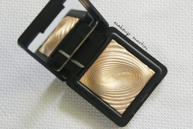 Kiko Milano Water Eyeshadow 208 Light Gold Review
