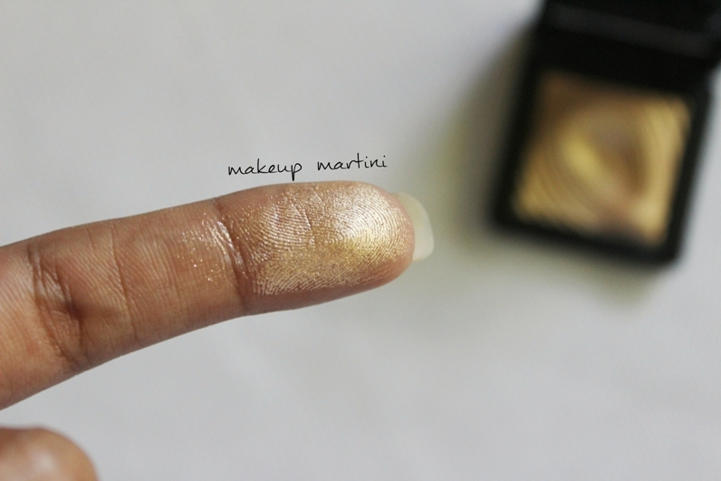 Kiko Milano Water Eyeshadow 208 Light Gold Review and Swatches