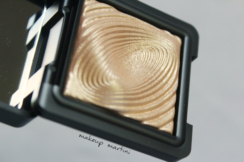 Kiko Milano Water Eyeshadow 208 Light Gold Swatches
