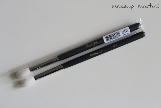 Morphe Brushes M441 Pro Firm Blending Crease Brush Review