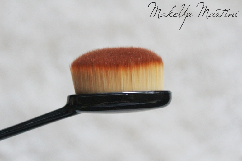 Oval 7 Makeup Brush Review