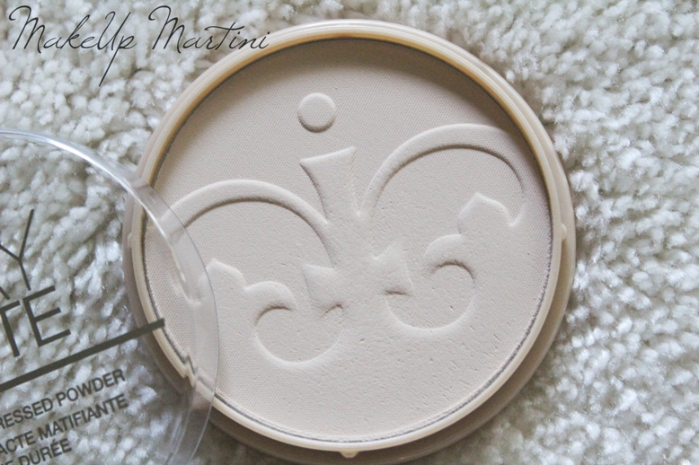 Rimmel Stay Matte Pressed Powder Transparent Review and Swatches