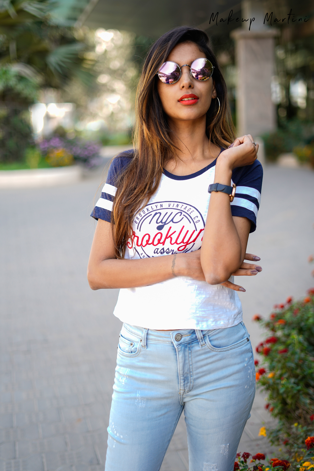 Cropped Tee & Light Blue Jeans