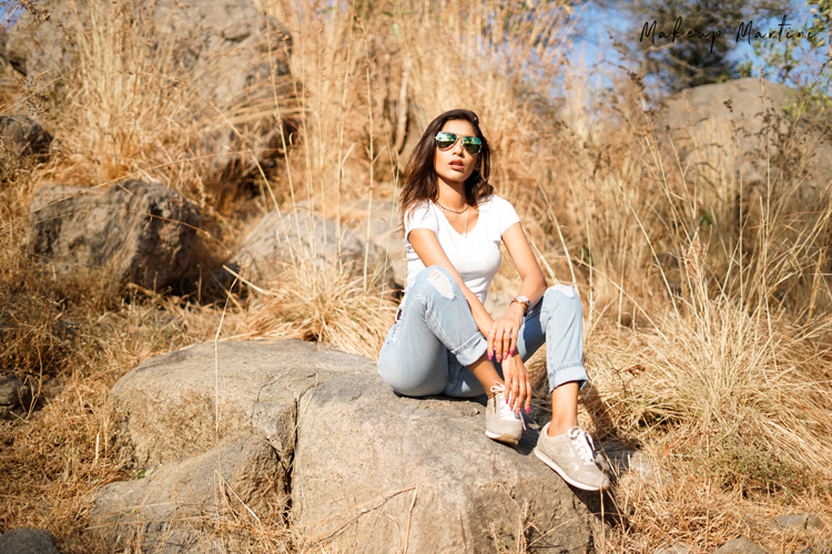 Styling Comfy Sneakers & Jeans